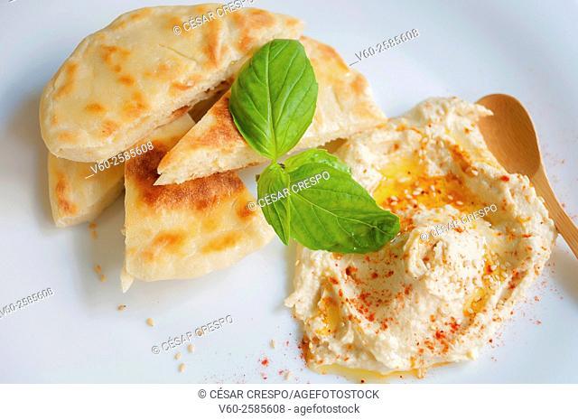 -Pita bread with Humus- High Cuisine (Spain)