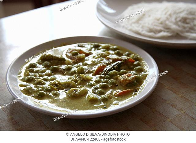 Food in Kerala ; South Indian mixed vegetable served with Idiappum rice noodles ; Kerala ; India