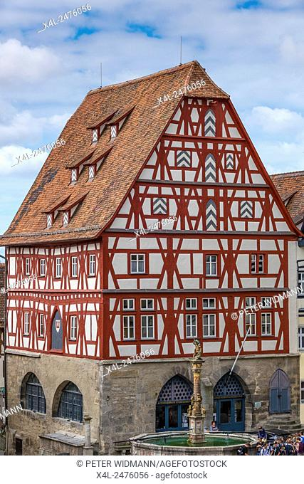 Half-timbered houses on the market square, meat and dance house, Rothenburg ob der Tauber, Bavaria, Germany, Europe