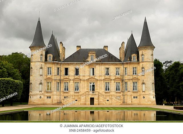 Chateau Pichon Longueville , Aquitaine, Gironde, Pauillac-Medoc, Bourdeaux, France