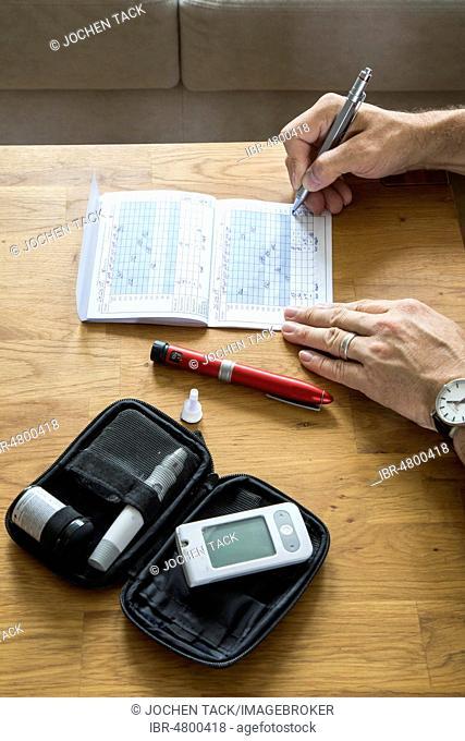 Diabetics keep his blood sugar diary, record blood sugar values, Germany
