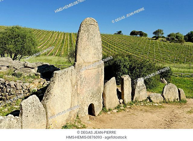 Italy, Sardinia, Olbia Tempio Province, the Emerald Coast (Costa Smeralda), Arzachena, graves of giant Coddu Ecchiu