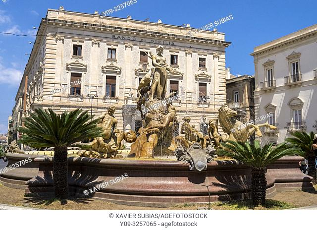 Fountain of Diana, Square of Archimedes, Syracuse, Sicily, Italy