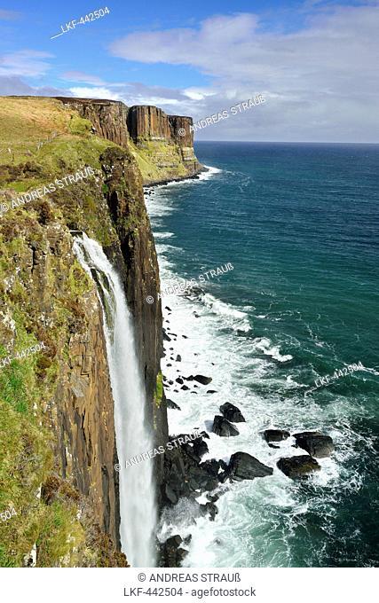 Kilt rock waterfall falling into Atlantic Ocean, Kilt rock Waterfall, Isle of Skye, Scotland, Great Britain, United Kingdom