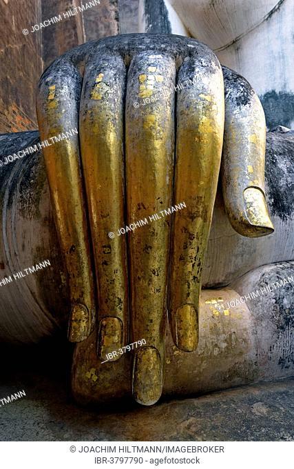 Gilded hand of the Buddha statue Phra Achana, Wat Si Chum or Wat Sri Chum, Sukhothai Historical Park, Sukhothai, Northern Thailand, Thailand
