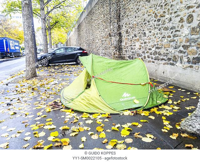 Paris, France. Tents housing legal and illegal immigrants and asylum seekers who cannot find proper housing. The French National government doesn't help these...