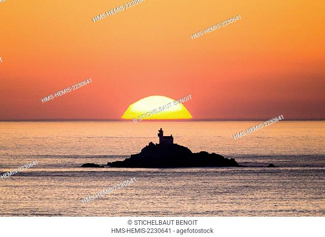 France, Finistere, Cap Sizun, the lighthouse of Tevennec seen by the pointe du Van