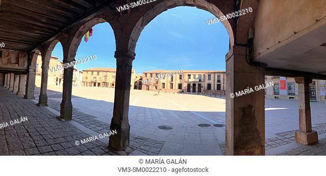Plaza Mayor, panoramic view. Medinaceli, Soria province, Castilla Leon, Spain