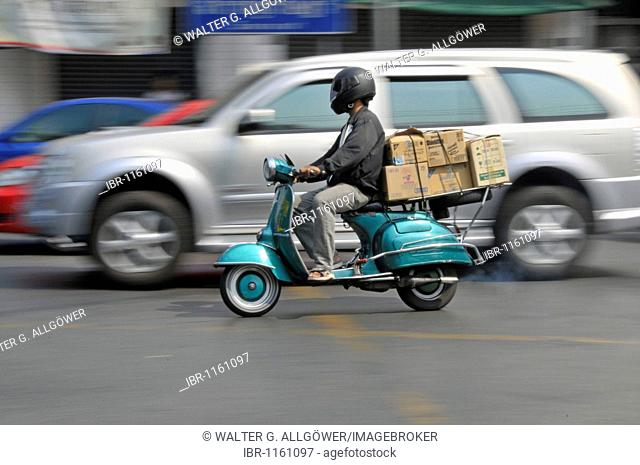 Old scooter as a means of transportation, Bangkok, Thailand, Asia