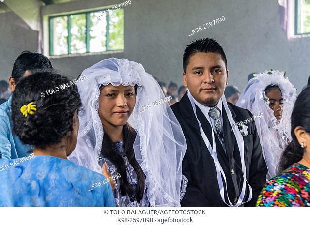 celebracion de nupcias comunitarias en Lancetillo, La Parroquia, zona Reyna, Quiche, Guatemala, Central America