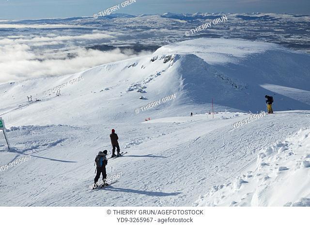 France, Puy de Dome (63), Besse-et-Saint-Anastaise, ski station of Super Besse, Puy de la Perdrix ski slope, back Puy de Paillaret
