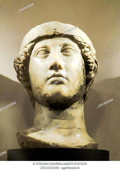 Head of Minerva. Marble. Early 2nd century, possibly 130 AD