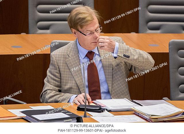 29 November 2018, North Rhine-Westphalia, Düsseldorf: Peter Biesenbach (CDU), Minister of Justice of North Rhine-Westphalia
