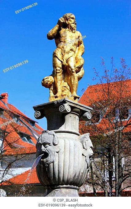 golden neptune fountain