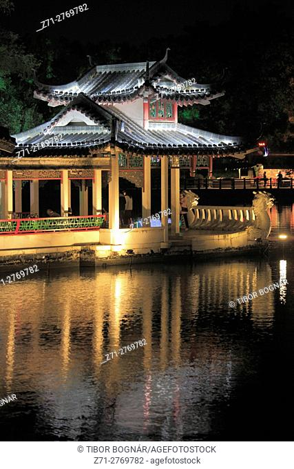 China, Guangxi, Guilin, Rong Lake, pavilion, night,