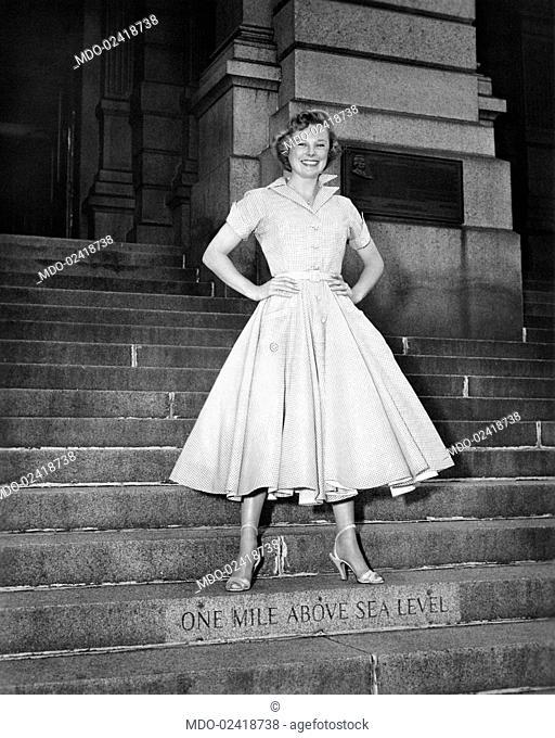 June Allyson, born Eleanor Geisman, on the steps of the Denver Capitol building, on the set of the film The Glen Miller Story. Denver, USA, 1954
