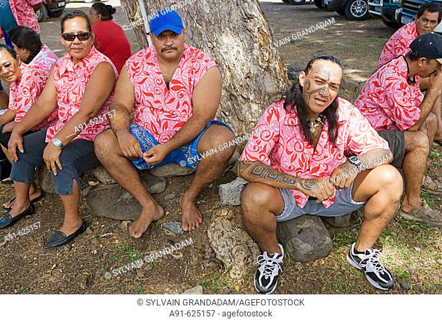 Stopover in Nuku Hiva island, Taihoae (main village of the North islands).occasionnal Taxi drivers (private 4x4)  for the tourists