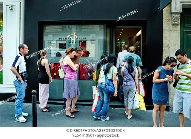 Paris, France, French Chocolates Store, Pierre Hermé, Outside, Line of People, Queing up