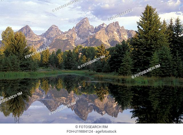 Grand Teton National Park, Jackson Hole, WY, Wyoming, Scenic view of the Grand Tetons from the Snake River in Grand Teton Nat'l Park
