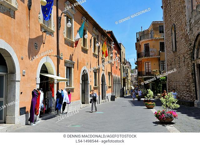 Tourists Shoppers Taormina Sicily Mediterranean Sea Island
