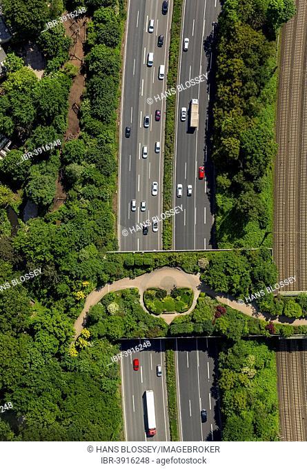 Motorway bridge, landscaped bridge on the A3, Duisburg Zoo, aerial view, Duisburg, Ruhr district, North Rhine-Westphalia, Germany