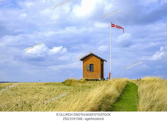 Old historic pilot house on Nyord Island north of Moen, Denmark, Scandinavia, Europe. Altes historisches Lotsenhaus auf der Insel Nyord nördlich von Mön