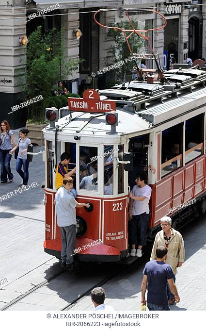 Old tram, Istiklal Caddesi, Istanbul, Turkey, Europe