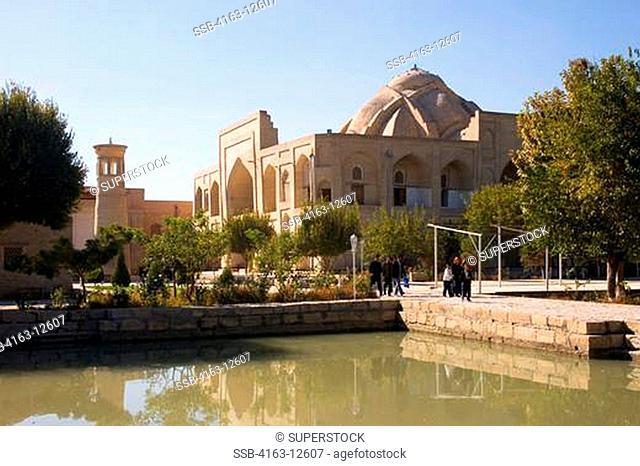 UZBEKISTAN, NEAR BUKHARA, BAKHAUTIN NAQSHBAND MAUSELEUM, MOSQUE