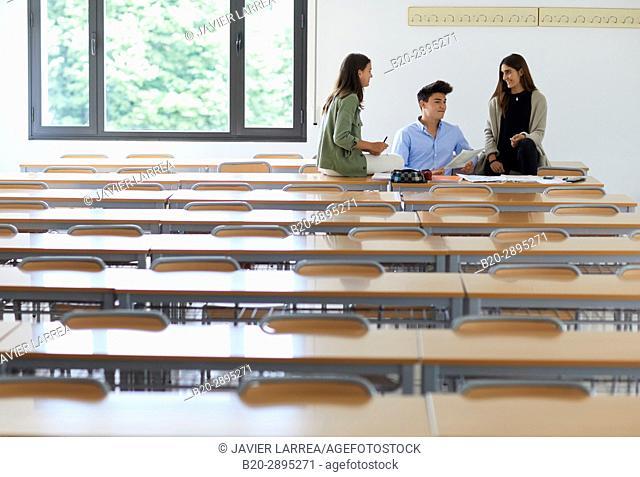 Students. Classroom. College. School of Business Studies. University. Donostia. San Sebastian. Gipuzkoa. Basque Country. Spain