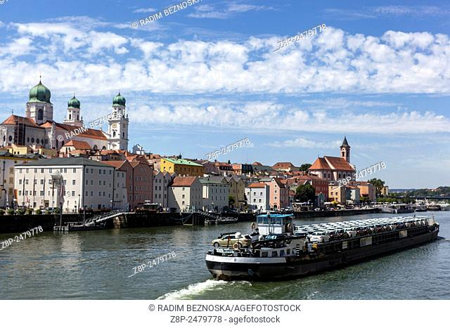 Danube, St. Stephan's Cathedral, Passau, Lower Bavaria, Germany, Europe