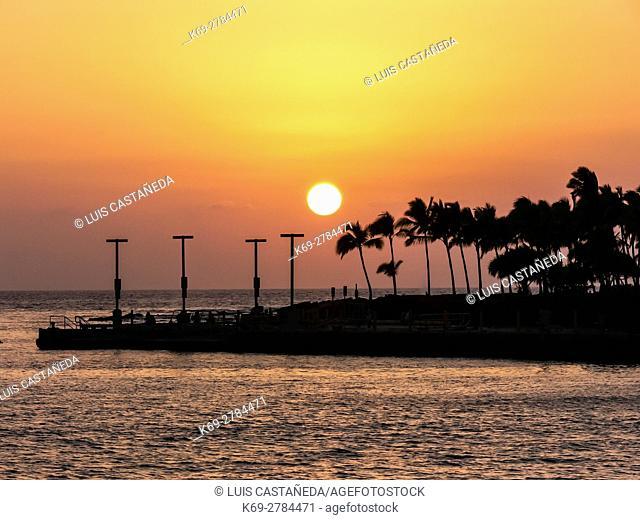 Sunset at Kailua Bay. Hawaii, USA
