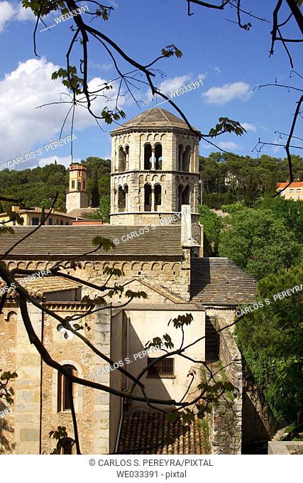 Sant Pere de Galligants monastery, Girona. Catalonia, Spain