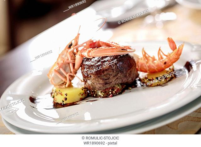 Beefsteak with Scampi, close-up