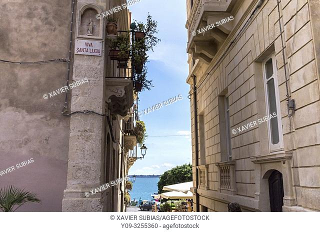 Street, Syracuse, Sicily, Italy