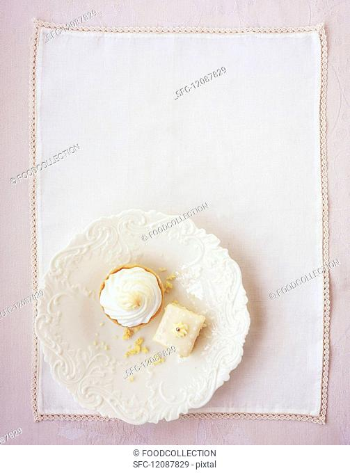 A cupcakes with a meringue topping and a puffed rice cake