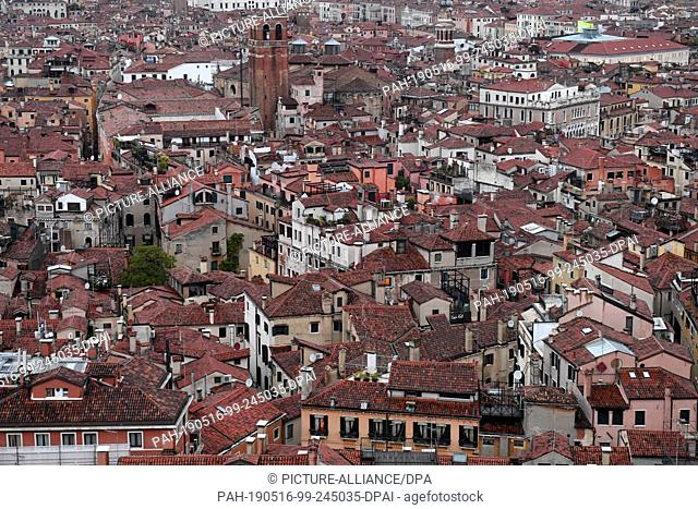12 May 2019, Italy, Venedig: From the Campanile, the Markusturm, the countless houses of the city of Venice can be seen from above