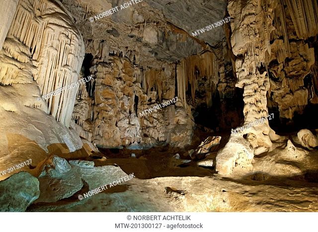 Limestone formations in the main chamber of the Cango Caves, Oudtshoorn, South Africa