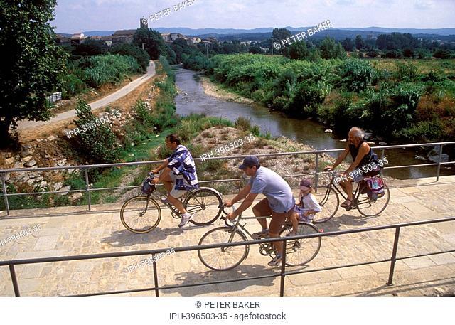 Carcassonne - Cycling near the Canal du Midi