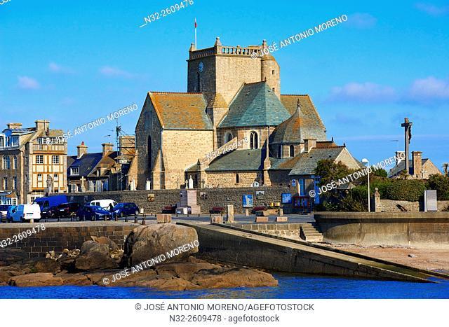 Barfleur, Lower Normandy, Village and Harbour, labelled Les Plus Beaux Villages de France,The Most Beautiful Villages of France, Normandy, Manche, France