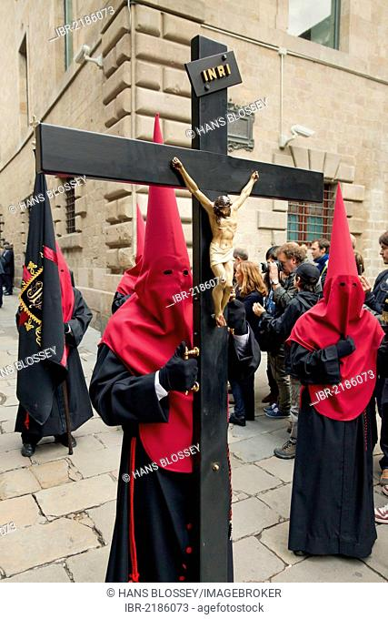 Penitents with crosses at the Good Friday procession, Semana Santa, Holy Week, Barcelona, Catalonia, Spain, Europe