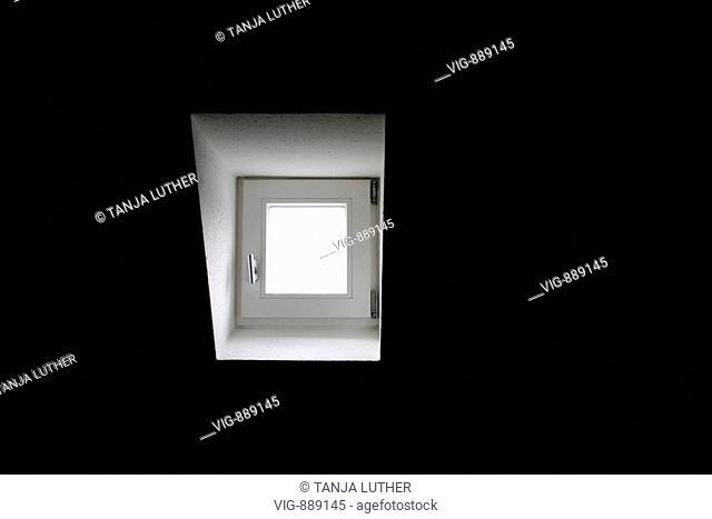 Small window. - HAMBURG, HAMBURG, GERMANY, 16/03/2008