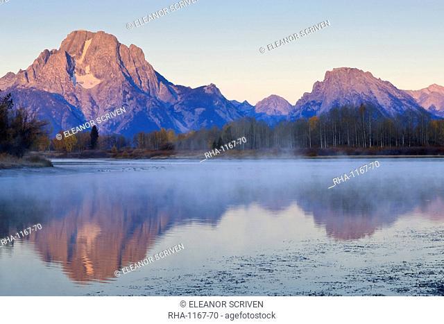 Dawn mist, Mount Moran, Oxbow Bend, Snake River, Grand Teton National Park, Wyoming, United States of America, North America