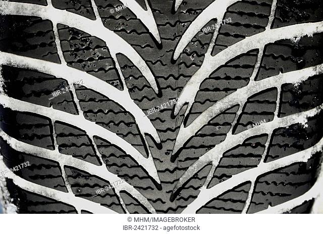 Tyre with winter tread