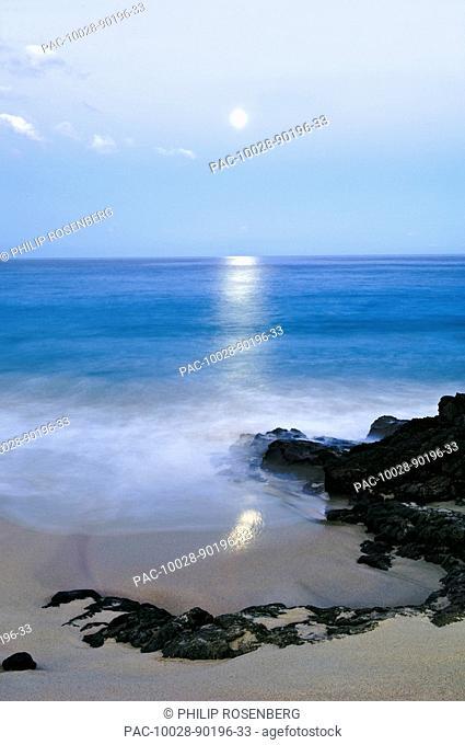 Hawaii, Big Island, Kona Coast, Kua Bay White Sand Beach at moonset