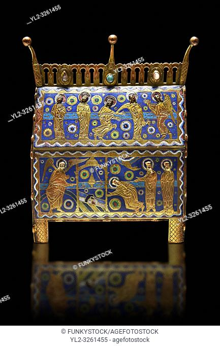 Gothic chest decorated with the Resurection of Christ from Limoges Circa 1220. Engraved copper with inlaid enamel enamel champlevé and glass on wooden core