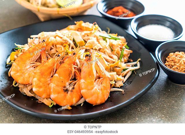 "Thai Fried Noodles """"Pad Thai"""" with shrimps or prawns"