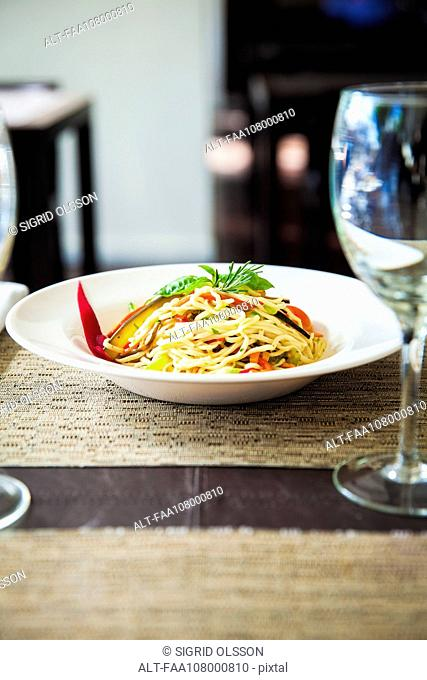 Linguini with vegetables