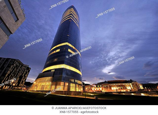 Iberdrola tower Skyscraper 165 meters Design by Cesar Pelli Abandoibarra avenue, Bilbao, Bizkaia, Vizcaya, Euskadi, Basque Country, Spain