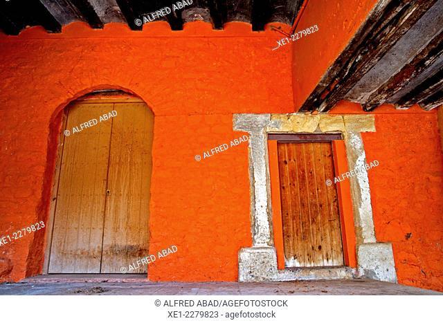 Doors, Talarn, Pallars Jussa, Catalonia, Spain