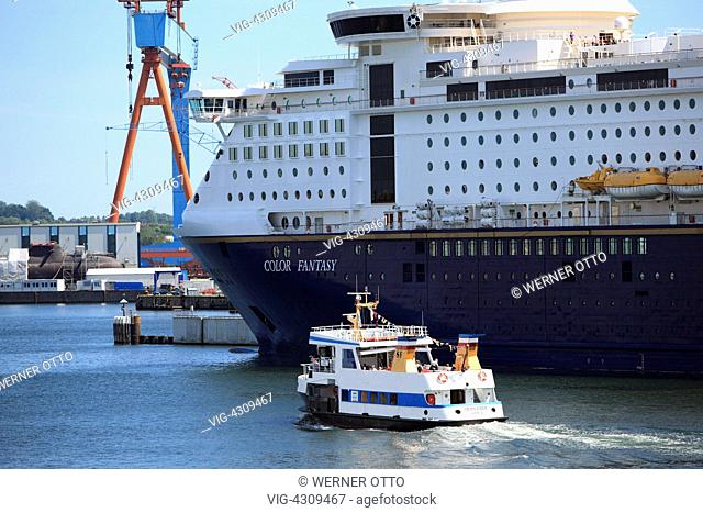 D-Kiel, Kiel Fjord, Baltic Sea, Schleswig-Holstein, Kiel harbour, Color Line ferry at terminal Norwegenkai, excursion ship - Kiel, Schleswig-Holstein, Germany